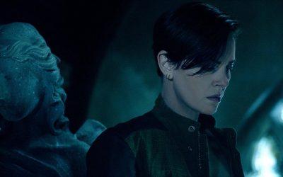 Charlize Theron lidera equipe de guerreiros imortais no trailer de The Old Guard